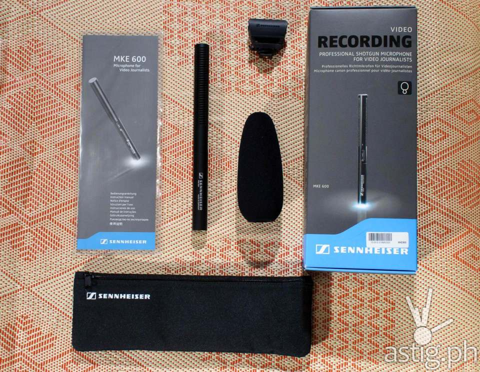 Sennheiser MKE 600 shotgun microphone box contents