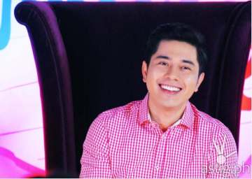Paulo Avelino will play the role of Simon, Leah's new boss