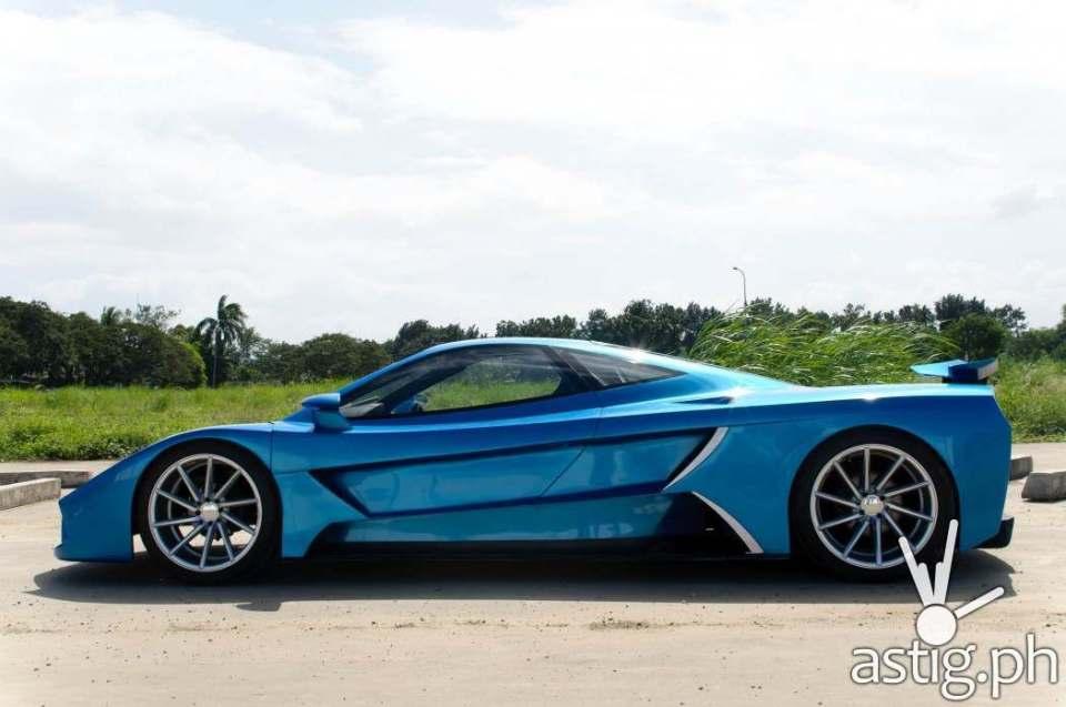Aurelio super car Prorotype 3 side shot