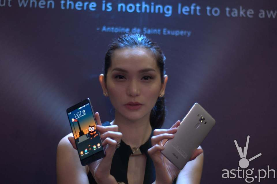 The ASUS ZenFone 3 Deluxe is priced at Php 34,995