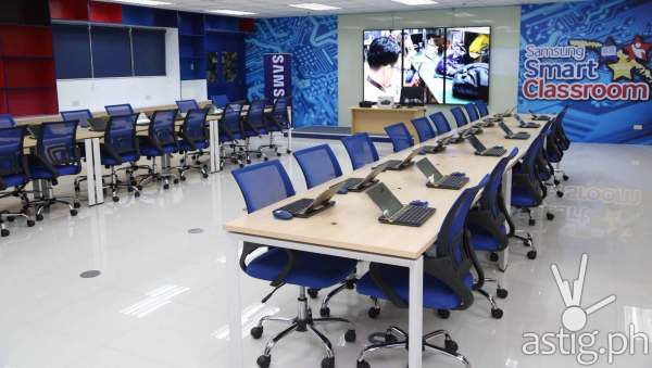Samsung Launch Vr-powered Smart Classroom Astig.ph