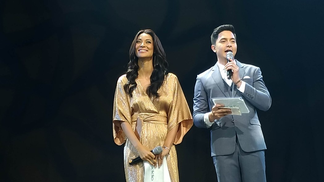 Joey Mead King and OPPO brand ambassador Alden Richards - OPPO F3 Plus Philippines