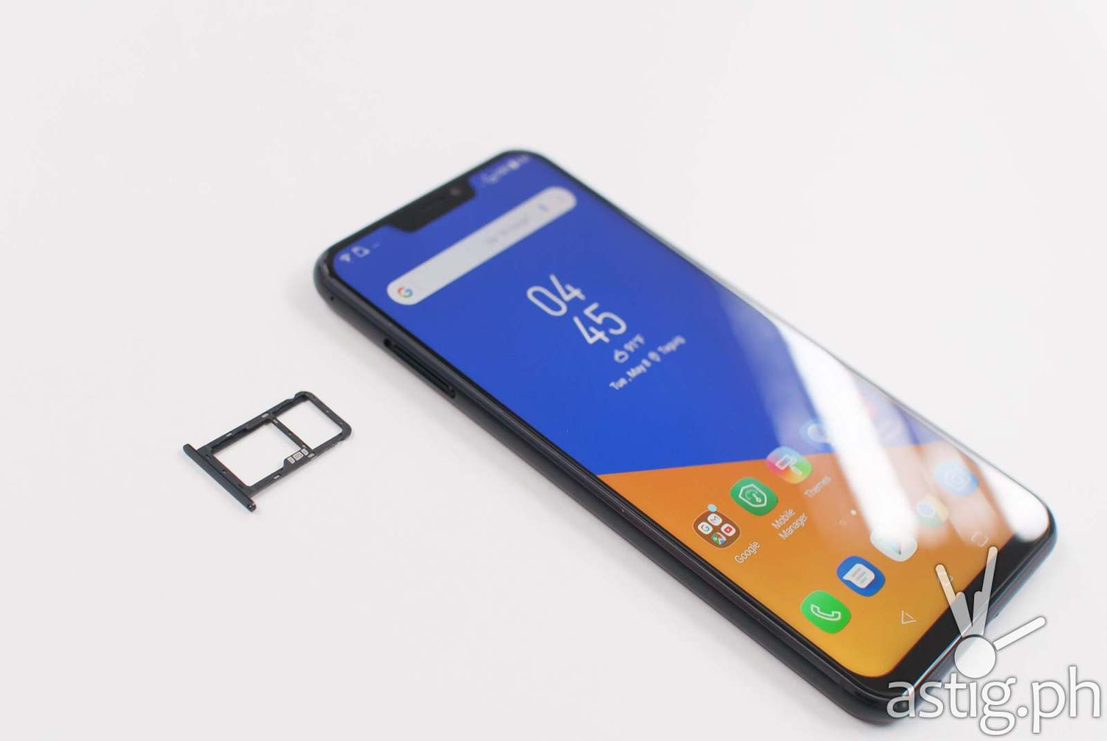 Zenfone 5 dual SIM and microSD expansion tray