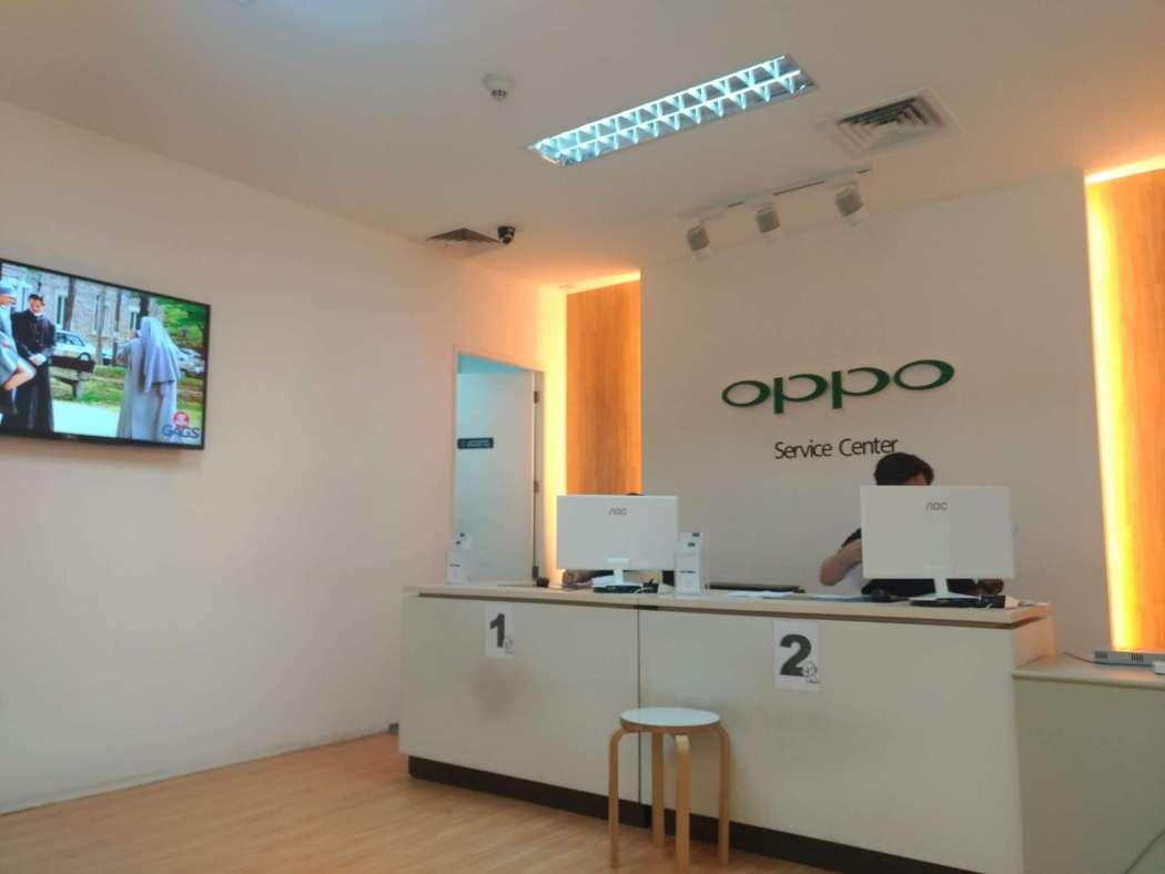 OPPO Service Center interior