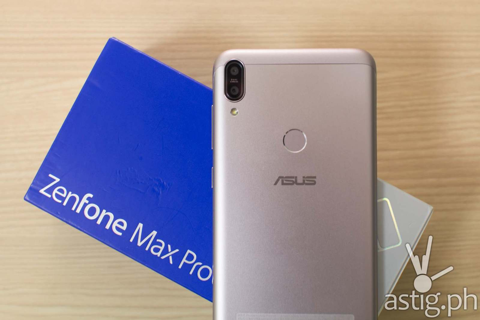 Zenfone Max Pro M1 back box