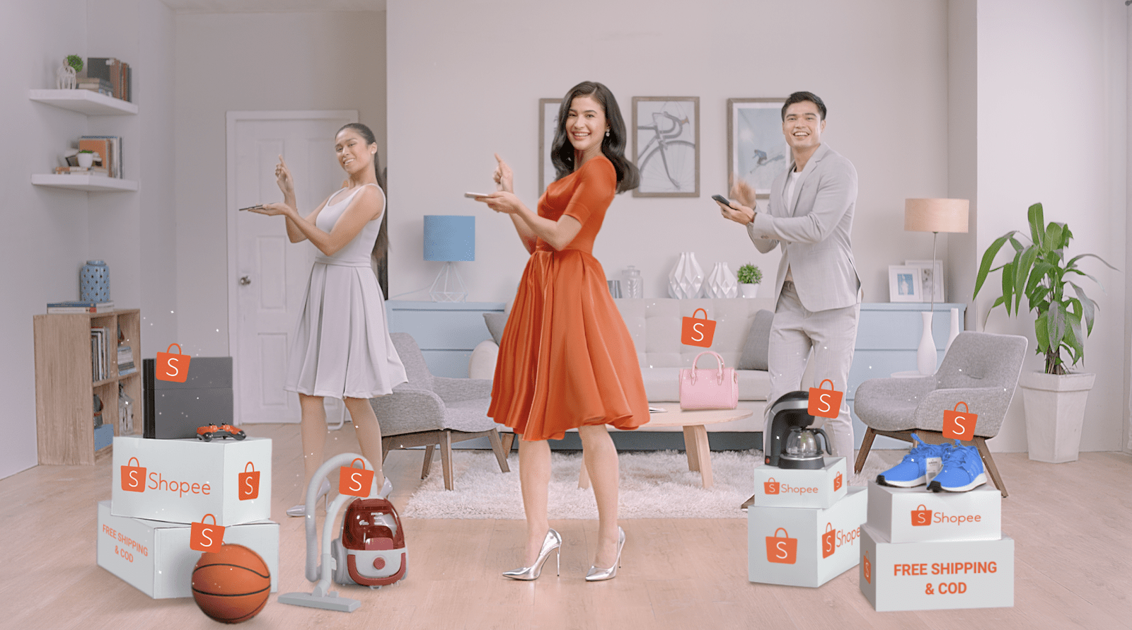 Anne Curtis does the Shopee Dance for Shopee 9.9 Super Shopping Day