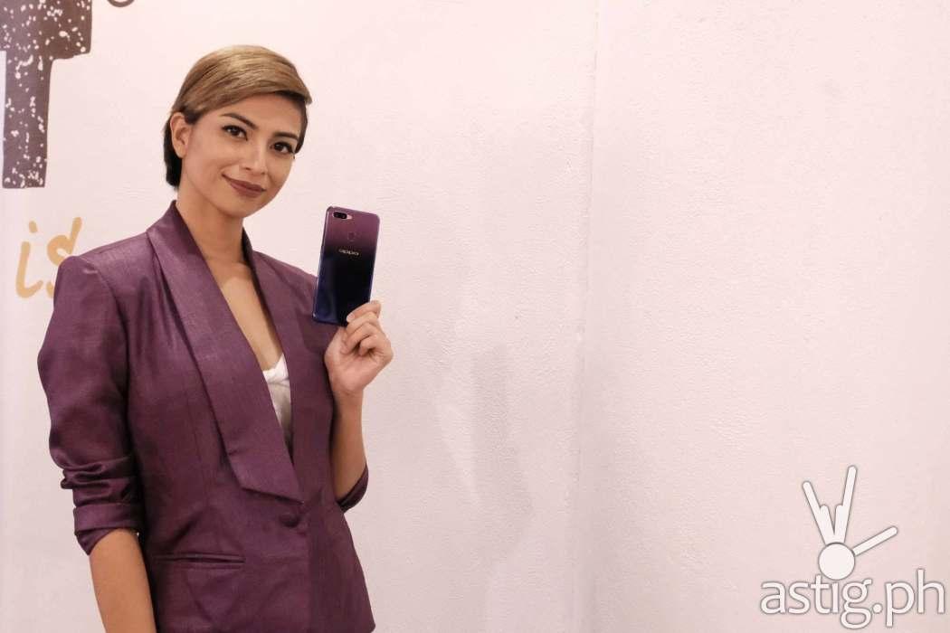 Glaiza de Castro modeling the OPPO F9 Starry Purple
