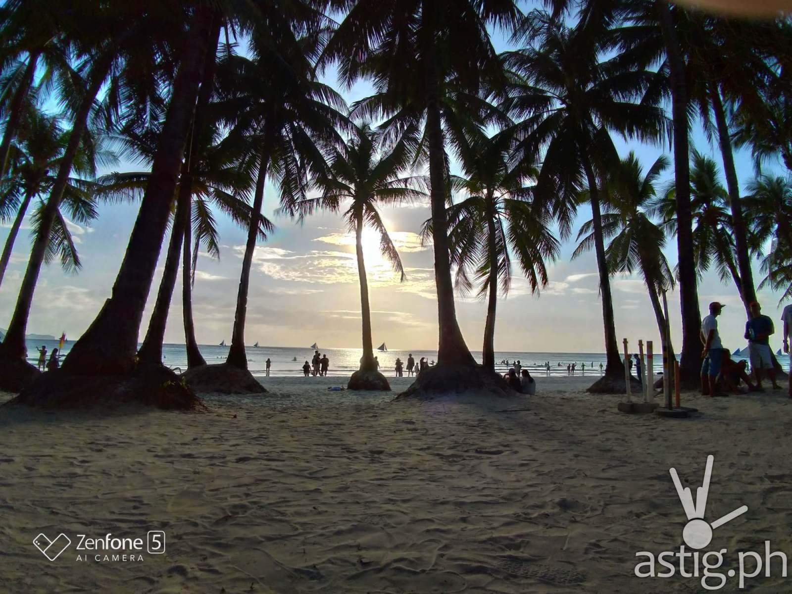 Boracay Philippines re-opening smartphone photo taken on an ASUS ZenFone 5 by Den Uy of TechKuya