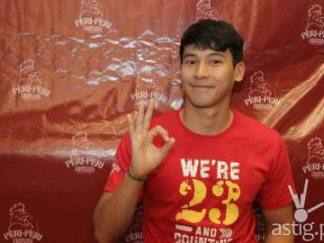 Enchong Dee shows off how his Peri flavourful favourite is now at 23 branches and growing.