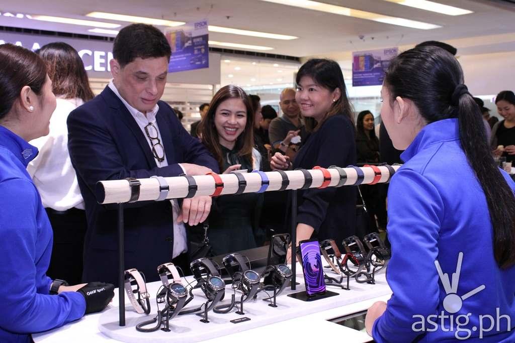 SM AVP Ian Mathay & Gear Table - Samsung flagship store Manila Philippines