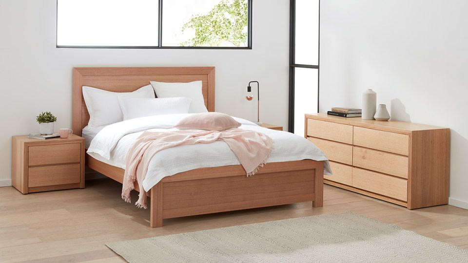 Sorrento Tasmanian Oak Bedroom Furniture