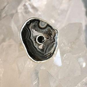 Spinelle noir et agate teintée bague argent