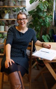 Astrid Bracke on running a business next to a 9-to-5.