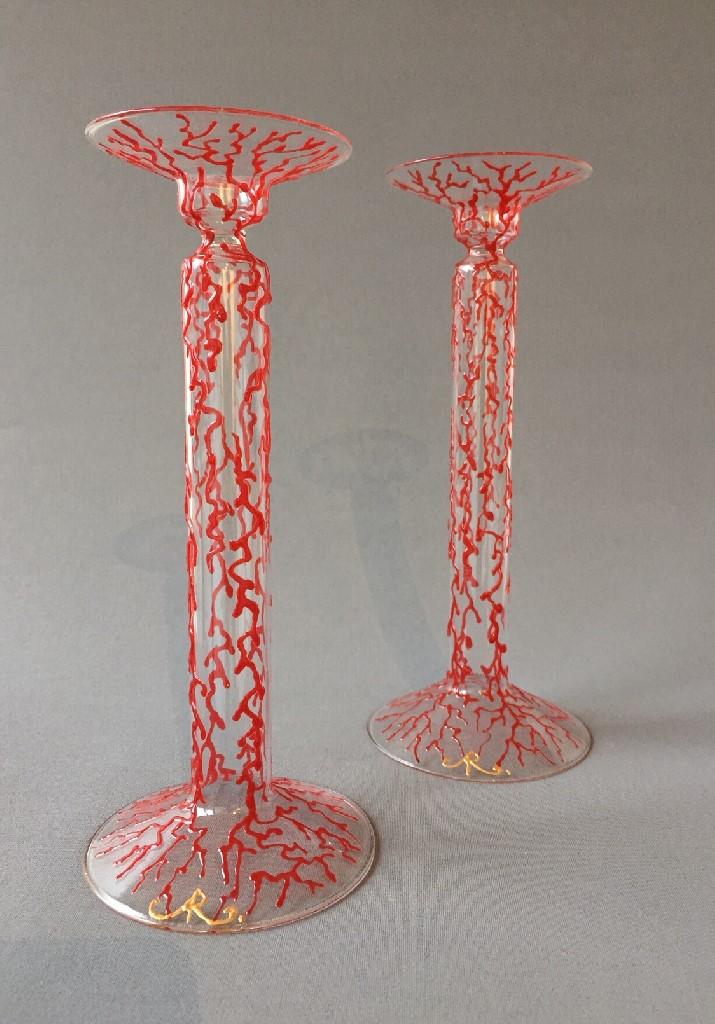 Kandelaars Rood Koraal Hoog, gebrandschilderd glas, 25 x 10 cm, 2018