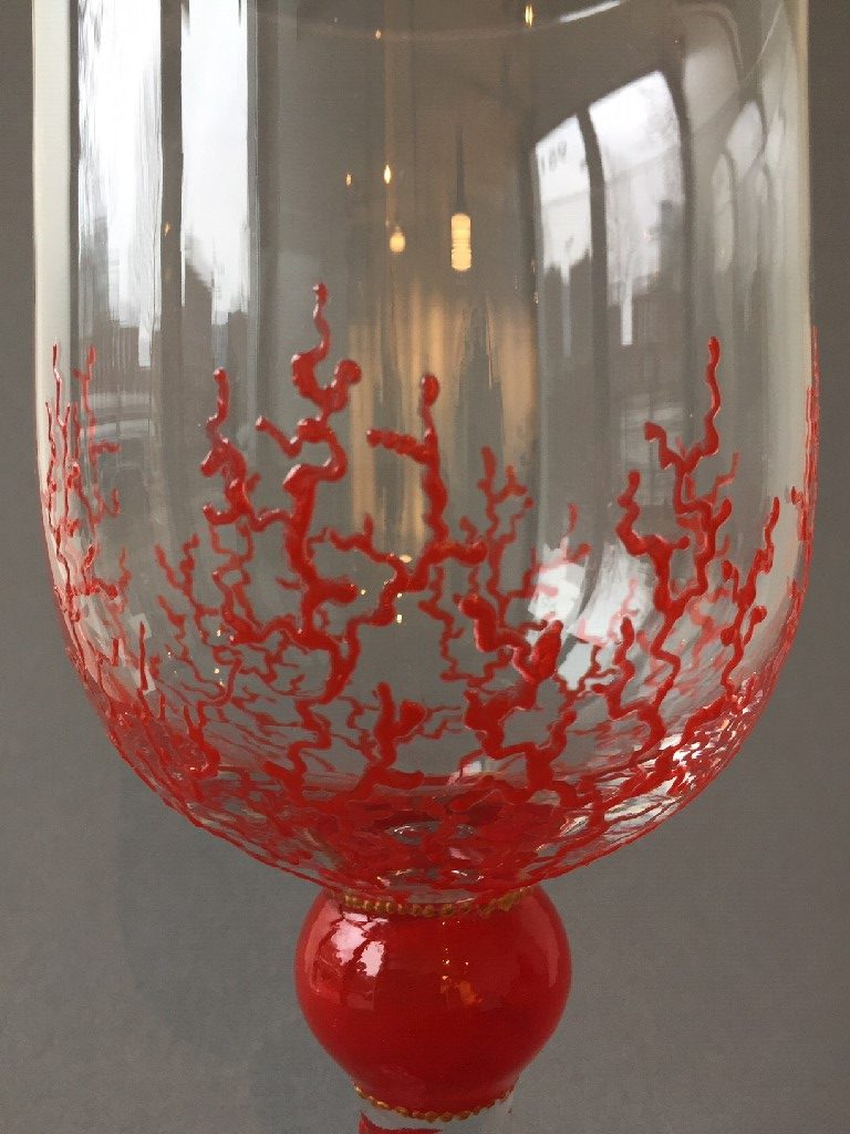 Bokaal Rood Koraal, gebrandschilderd glas, 29 x 15 cm, 2019