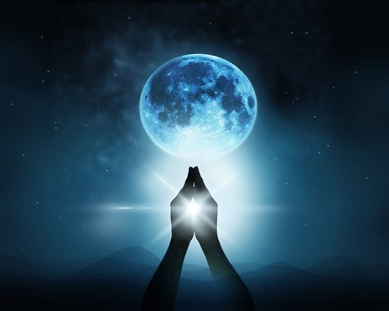 Full Moon In Libra - Love And Projection -