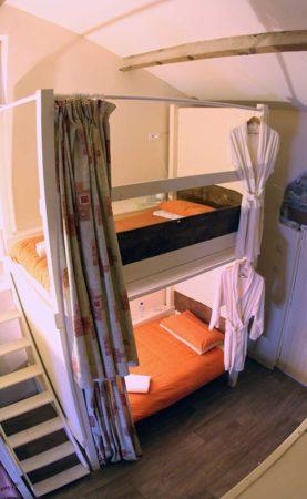 Dortoir beds