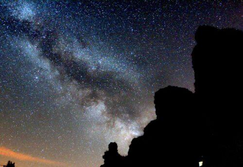Milkyway across a summer sky ay Astrofarm France