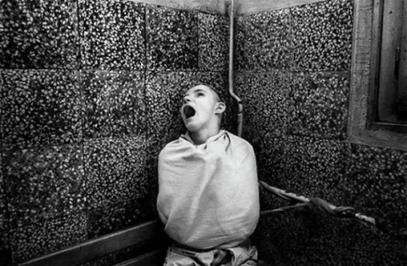 10 Bizarre Therapies in Mental Illness Treatment History