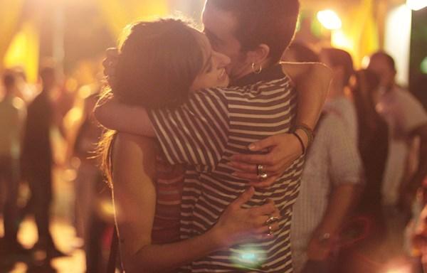 Los signos que demuestran afecto en público
