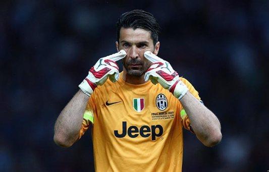 Gianluigi Buffon: Acuario
