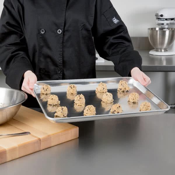 Aplikasi Baking Tray Alumunium