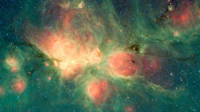 Citra Nebula Cakar Kucing yang dipotret Teleskop Spitzer dengan instrumen Infrared Array Camera (IRAC) dan Multiband Imaging Photometer (MIPS). Kredit: Spitzer/NASA