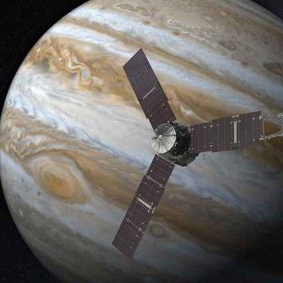 032: Juno raggiunge Giove