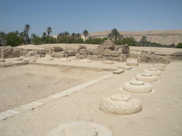 Amarna: ruínas de um sonho destruído há mais de 3000 anos.