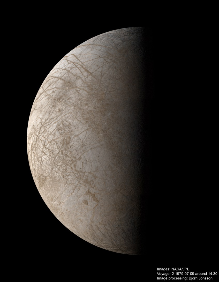 Europa_cor_natural_ISS_Voyager2_090779_BjornJonsson