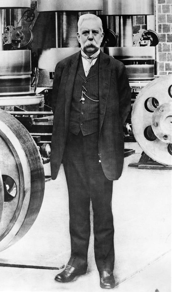 Thomas Edison Biography Success Story of Inventor and