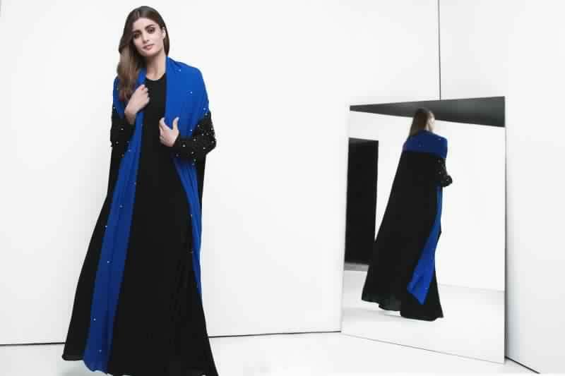 Abaya Moderne Et Ultra Chic Avec Des Imprims Fleuris