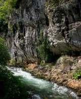 Roca y Agua en los Beyos