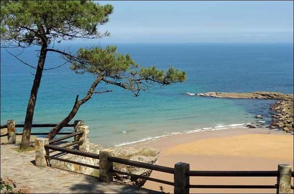 as mejores playas de gijon playa de la nora