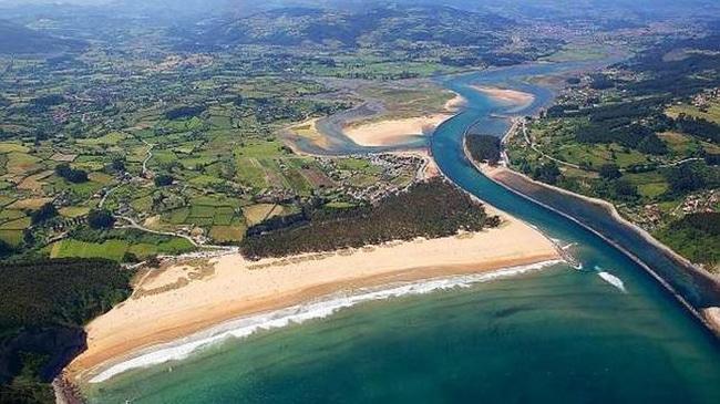 playas para niños en asturias playa de rodiles