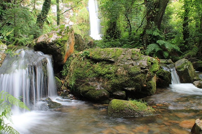 ruta por las cascadas de oneta las rocas