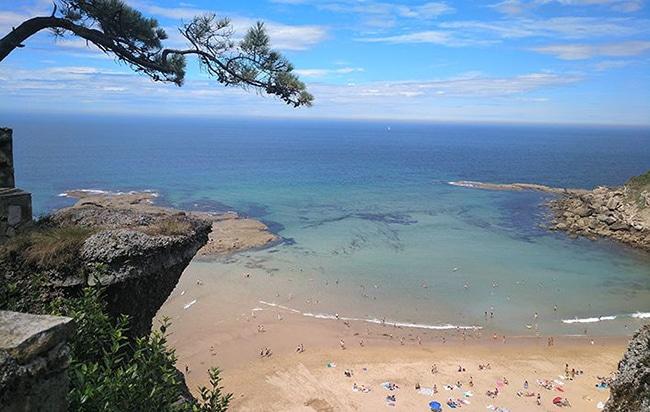 Playa La Ñora en Villaviciosa