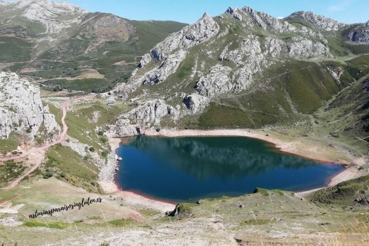 Lago_Cueva_Somiedo