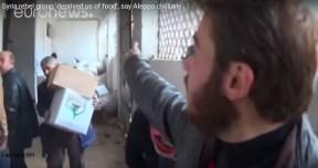 sipil_aleppo_ambil_bahan_makanan_yg_dijarah_teroris1