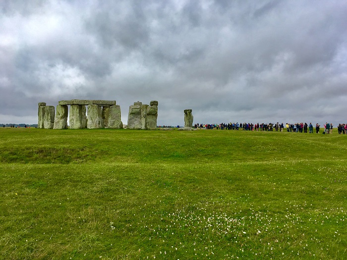 Line of people at Stonehenge
