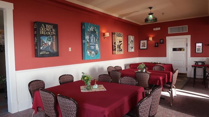 Sylvia Beach Hotel Dining Room