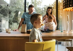 tips to make your toddler sit during meal time