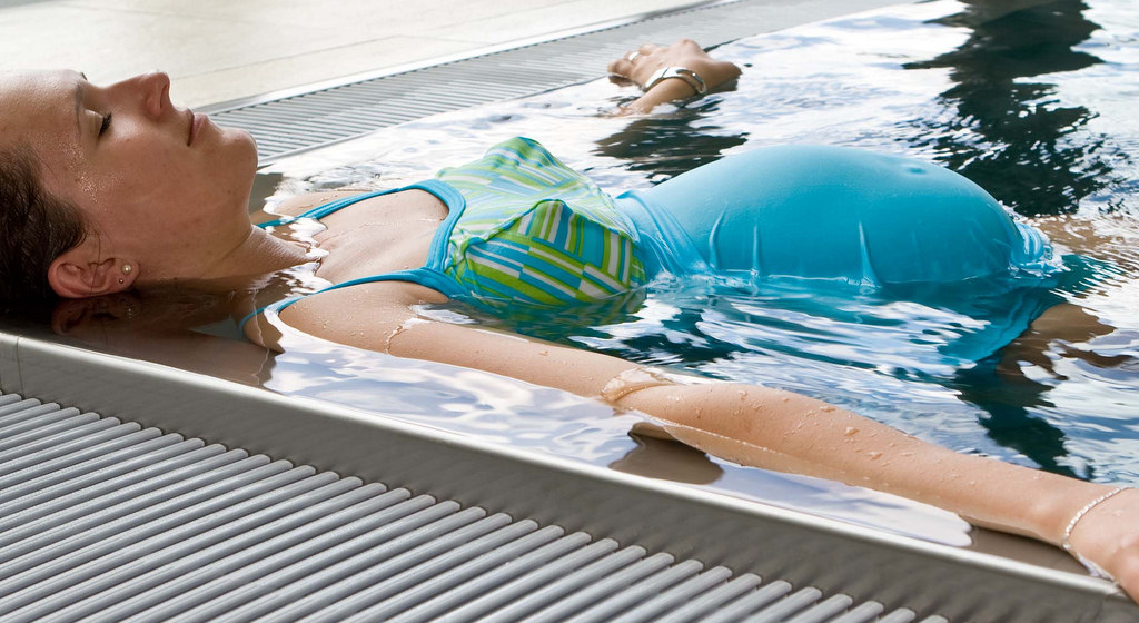 water aerobics for pregnant woman