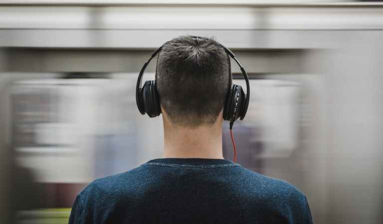 How Do Noise Canceling Headphones Really Work?