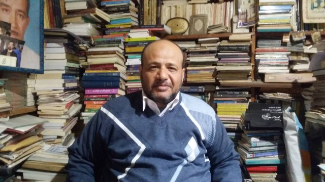 الشاعر والمترجم عبد الوهاب الشيخ