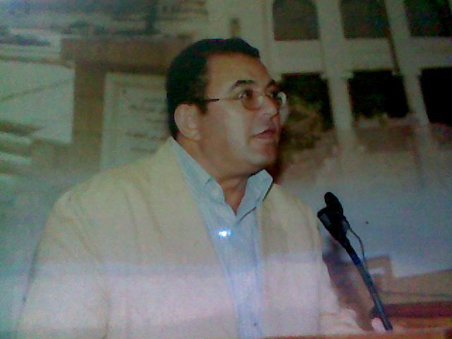الشاعر والناقد د. أحمد نبوي
