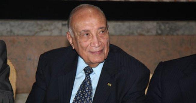 دكتور حسين كامل بهاء الدين