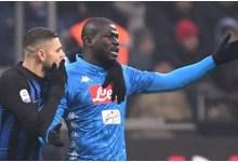 السنغالي كاليديو كوليبالي لاعب نابولي الذي تعرض لهتافات عنصرية من جماهير إنتر ميلان