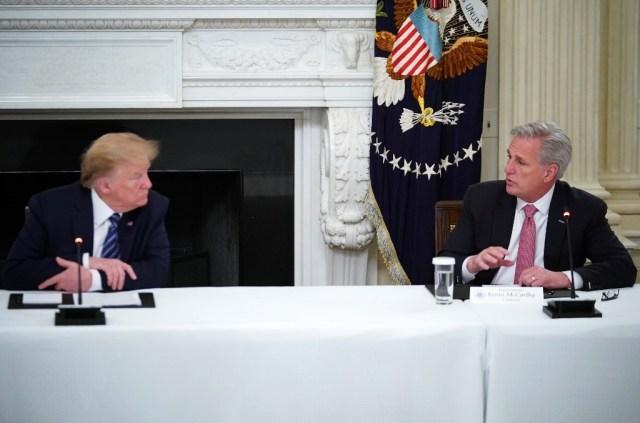 لقاء ترامب مع كيفن مكارثي في فلوريدا