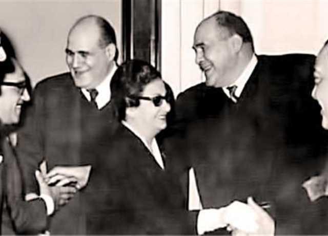 مصطفى أمين وعلي أمين مع أم كلثوم